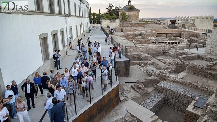 El arqueólogo Miguel Alba explica dónde hay que buscar el primer Badajoz