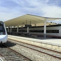 El tren Sevilla-Cáceres se queda en Mérida por falta de maquinista