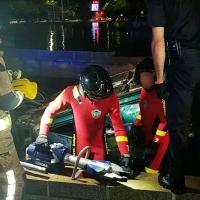 El conductor herido en una fuente de Badajoz despierta pero sigue grave