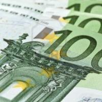 Cinco detenidos por pagar con billetes sospechosos