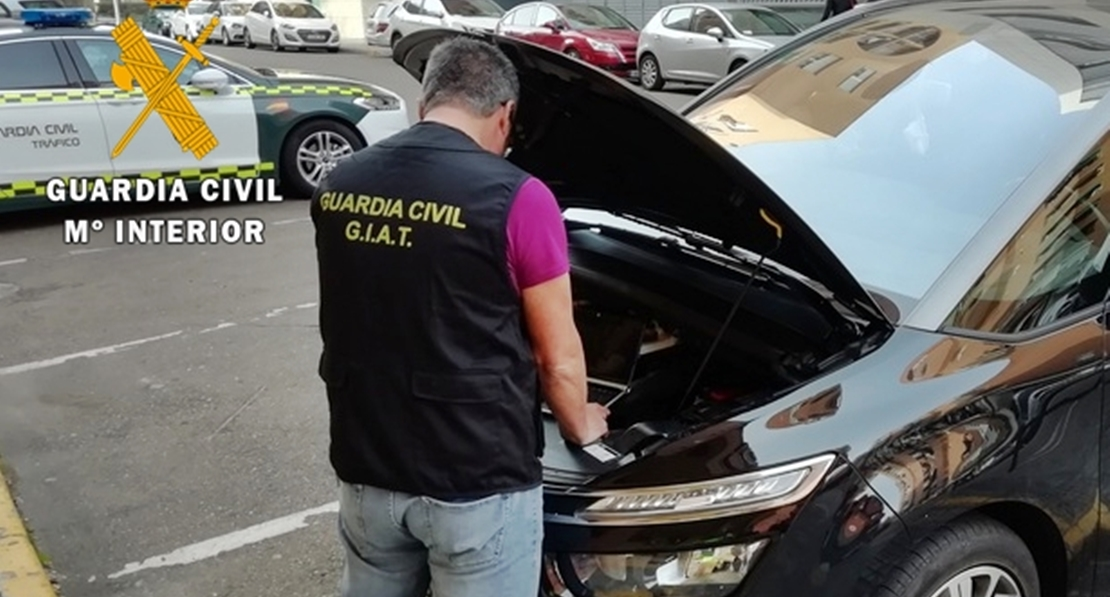 Detenidos por vender vehículos de segunda mano con datos falsos