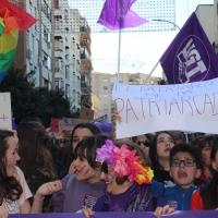 Más de 7.000 personas recorren las calles de Badajoz en el 8M