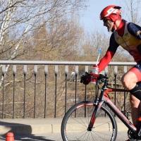 El extremeño Kini Carrasco se proclama campeón de España de Duatlón de media distancia