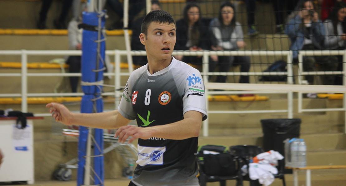 Lalo, del Pacense Voleibol, elegido en el septeto ideal de la jornada