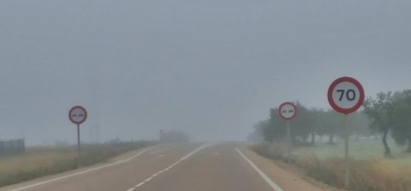 La niebla pone en alerta amarilla otra carretera extremeña