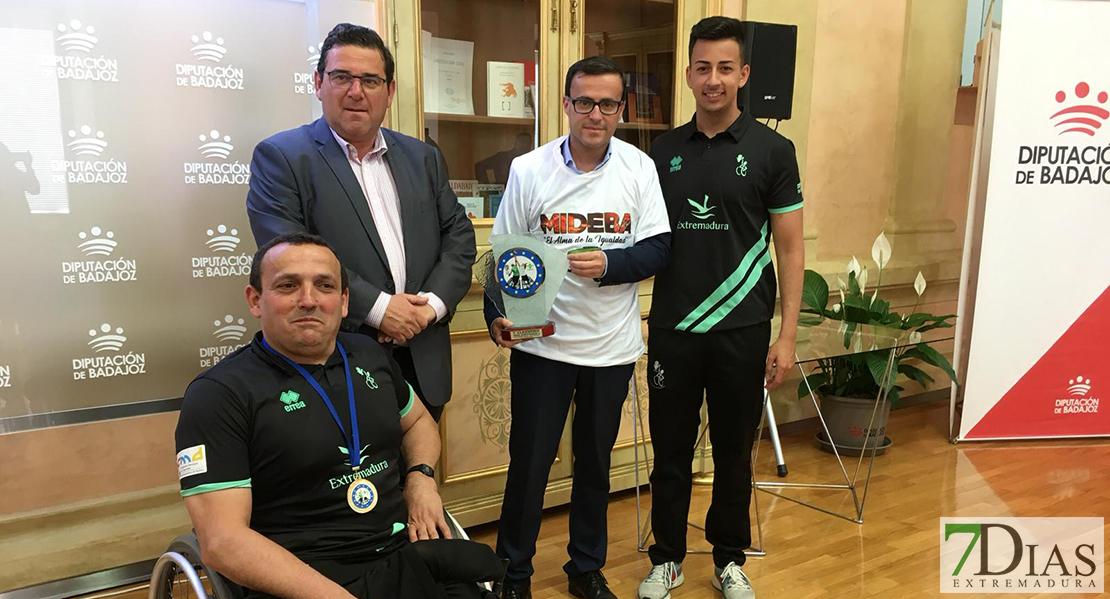 El presidente de la Diputación de Badajoz recibe al Mideba Extremadura