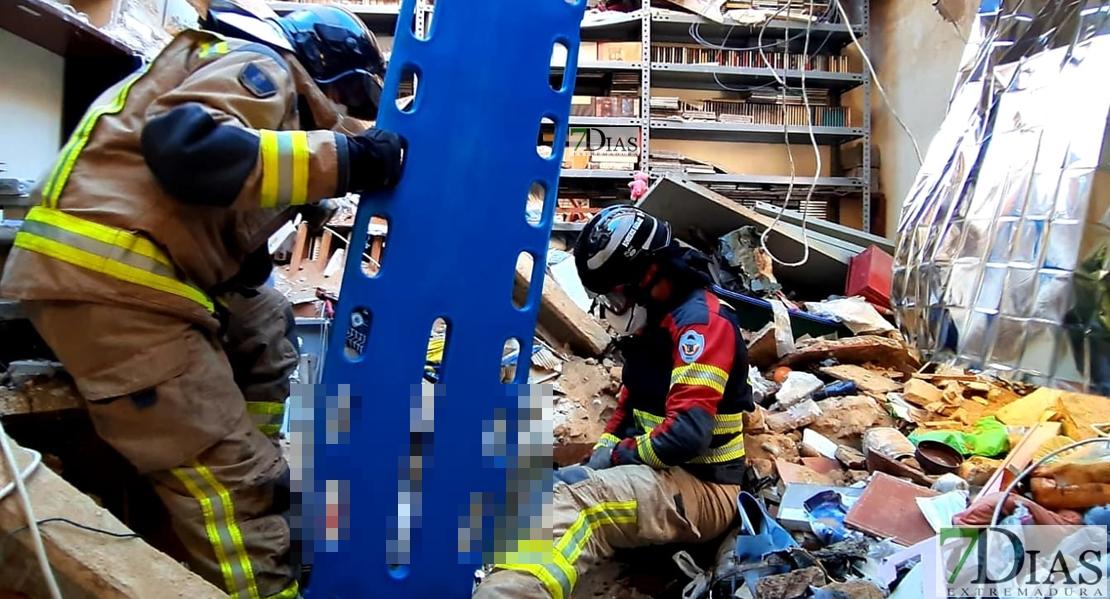 Derrumbe en el Cerro de Reyes: Confirman una mujer fallecida