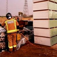 Rápida actuación de los Bomberos en un incendio en Badajoz