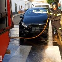 Los Bomberos actúan en un accidente de tráfico en Olivenza