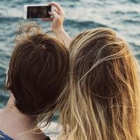 Fallece un menor al caer por una claraboya mientras intentaba hacerse un selfie