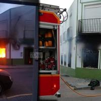 La Guardia Civil estudia las causas de un incendio en Valdelacalzada