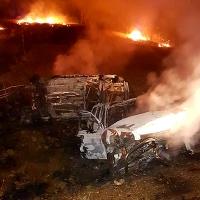 Se incendian dos vehículos tras accidentarse en Zarza de Alange