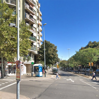 Un hombre pierde el control de su coche y atropella a 10 personas en la terraza de un bar