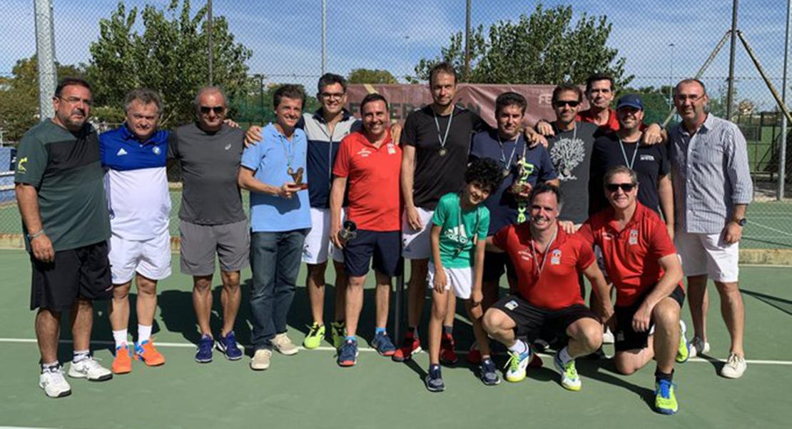 El Tenis Cauria gana el Campeonato de Extremadura de veteranos