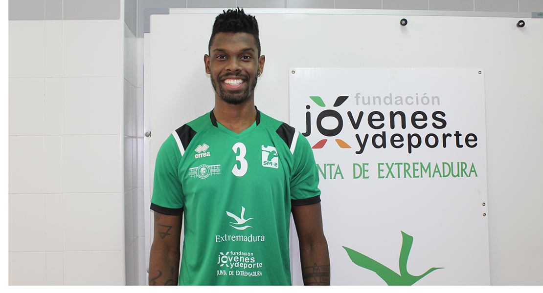 Renato Mendes, del Cáceres Voleibol, mejor jugador de la jornada de la Superliga 2