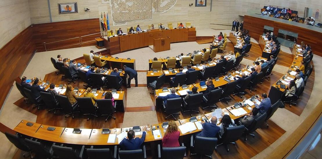 La Asamblea gastará casi medio millón en comprar móviles y tablets para sus diputados