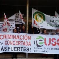 Los docentes de los centros concertados se manifestarán frente a Presidencia