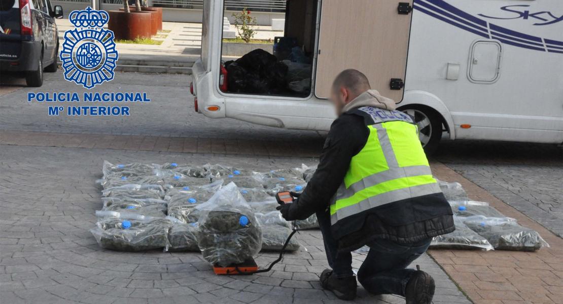 Detienen una autocaravana cerca de Mérida y hallan 37 kilos de marihuana en su interior