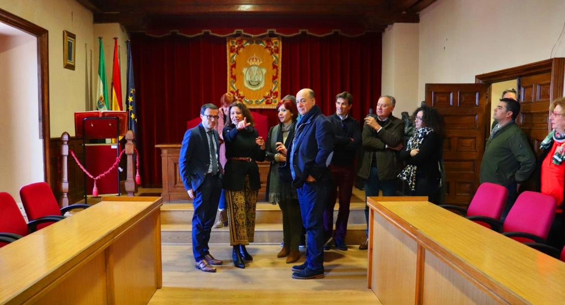 El presidente de la Diputación visita las actuaciones ejecutadas con el Plan Dinamiza en Fregenal