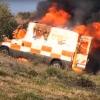 Sale ardiendo una ambulancia de Tenorio que cubría un servicio entre Madrid y Extremadura