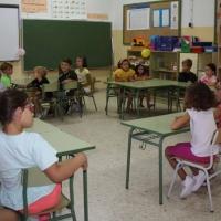 300 profesionales exigen mejoras urgentes en el sistema educativo extremeño