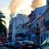 Dos personas son trasladadas hasta el hospital tras un incendio de vivienda en Don Benito
