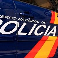 Localizan a un niño de cuatro años solo en una calle de Sevilla cuando sus padres dormían
