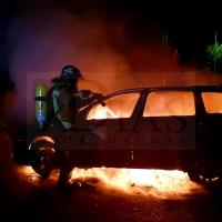 Otro vehículo ardiendo en menos de una semana en Badajoz