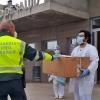 La Guardia Civil dona gafas de protección a centros sanitarios y residencias de Mérida y Calamonte