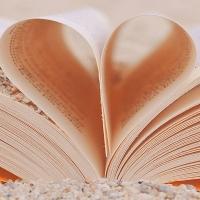 Una biblioteca de Mérida celebra el Día Mundial de la Poesía por WhatsApp