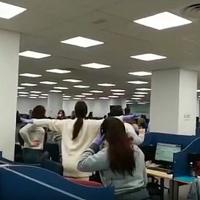 La Policía entra en un call center de Badajoz para desalojarlo
