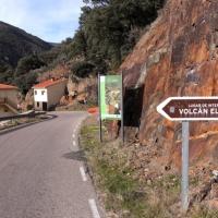 Una mujer herida en la ruta del volcán El Gasco (Las Hurdes)