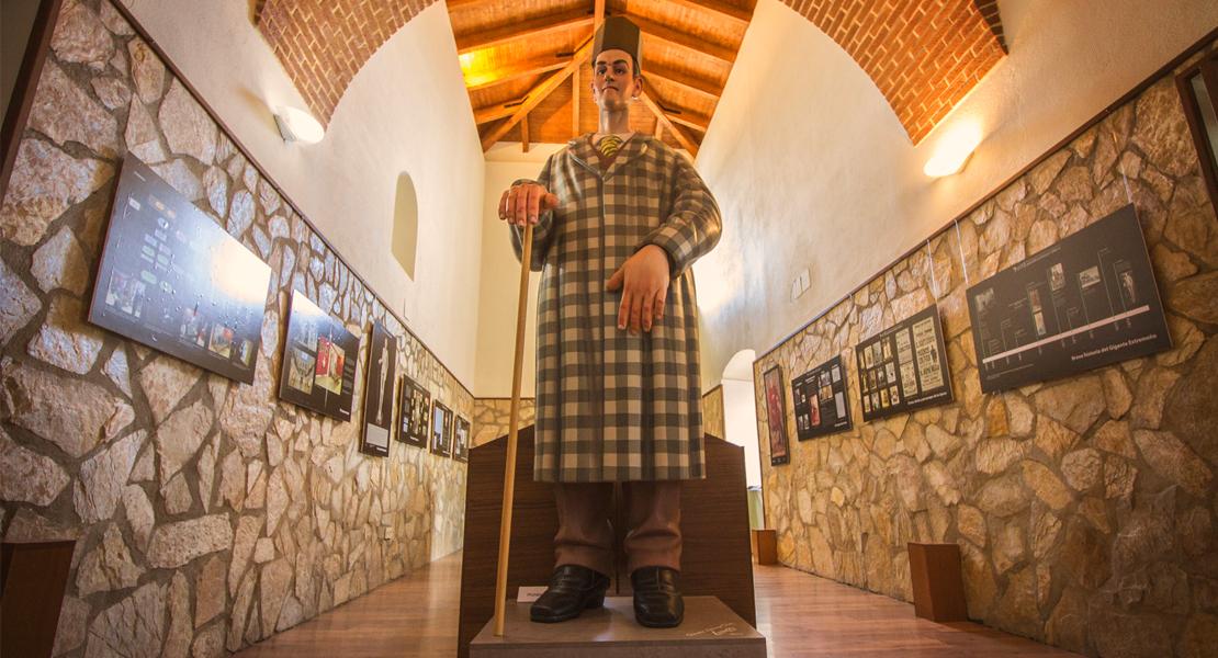 Conoce al extremeño Agustín Luengo, el segundo español más alto de todos los tiempos