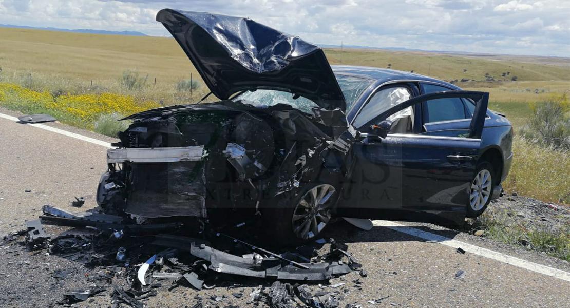 Varios heridos en un accidente de tráfico en Orellana la Vieja
