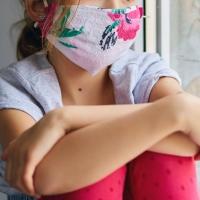 Dos mascarillas infantiles para cada menor en Badajoz