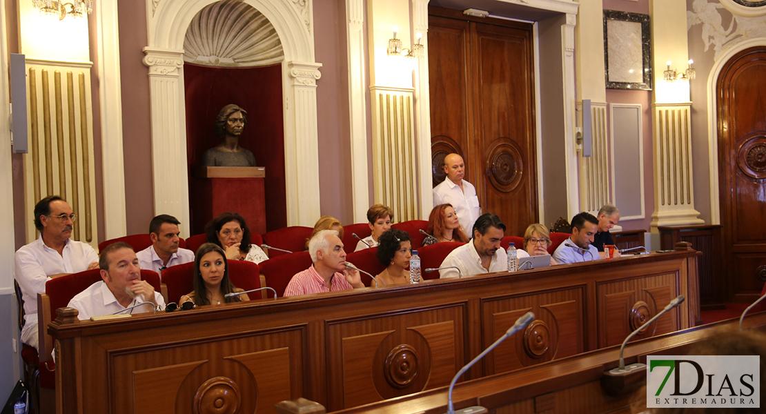 """La oposición califica de """"vergonzoso"""" el primer Pleno en Badajoz tras el estado de alarma"""