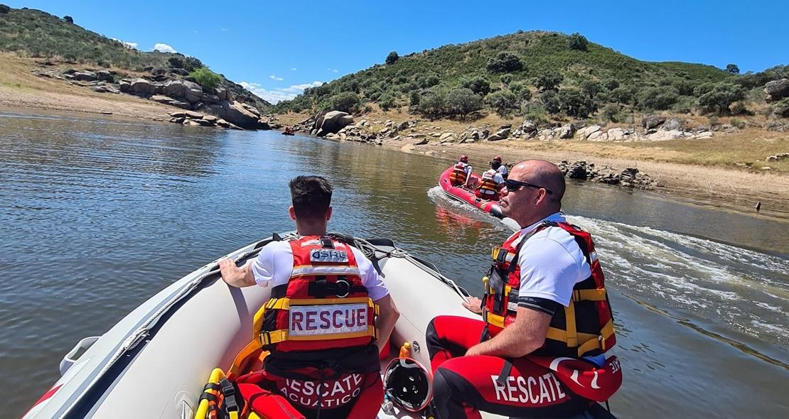 Más equipos acuáticos buscan sin cesar a Rosalía