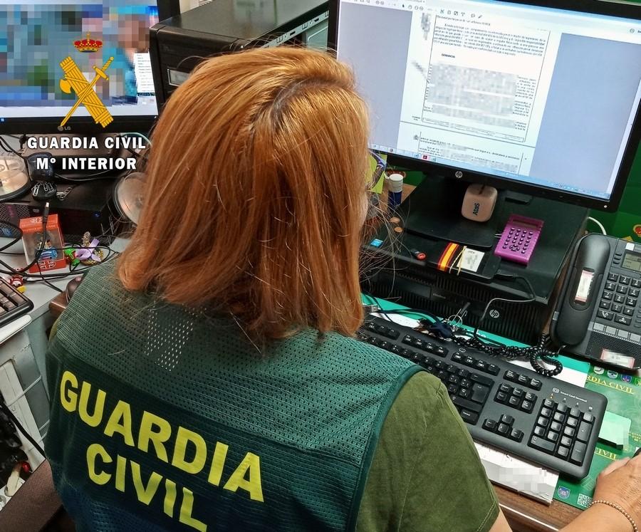 Un grupo organizado estafa más de 100.000 euros a una empresa de Badajoz