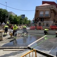 Cáceres mejora los accesos al centro de salud de Plaza de Argel