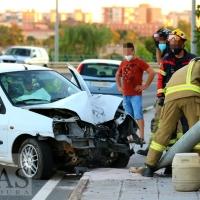 Una mujer herida tras accidentarse cerca del Puente de la Autonomía