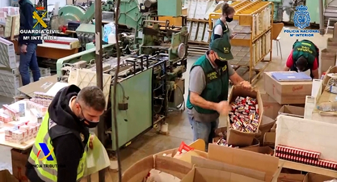 Golpe al tabaco ilegal: cae una banda que producía 18.000 cigarrillos al minuto