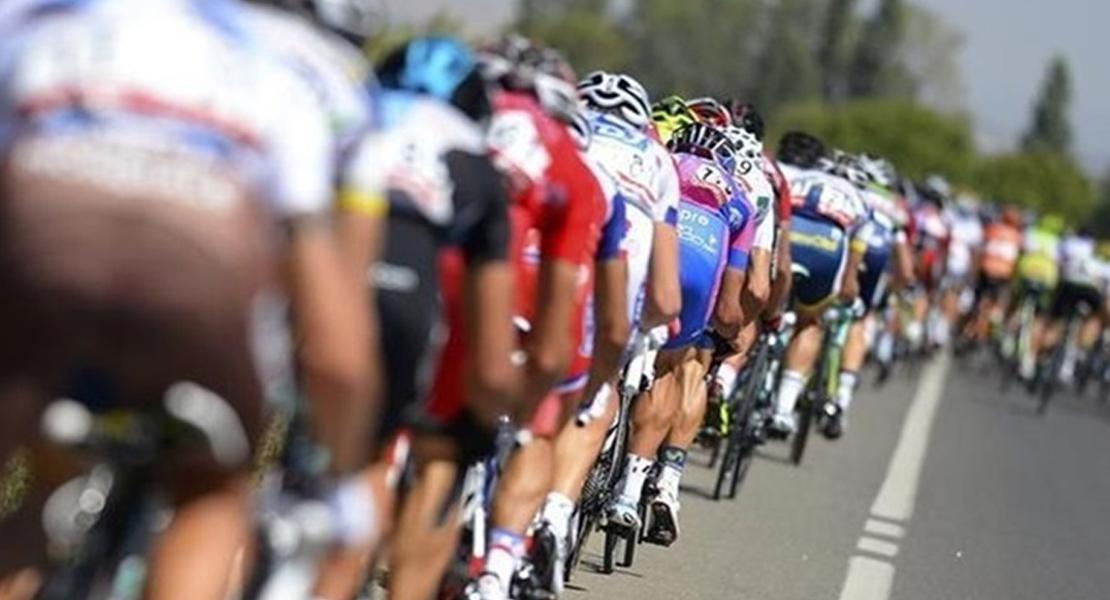 La carretera que enlaza Las Mestas y La Alberca, preparada para la Vuelta Ciclista a España