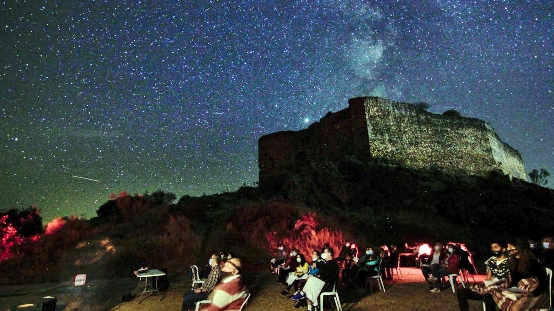 Los extremeños disfrutan del cielo estrellado de la provincia pacense