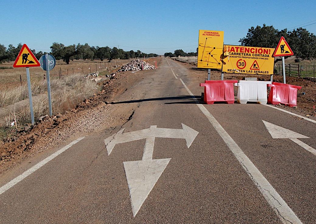 Informan de un corte en la carretera BA-079, de Hornachos a Hinojosa del Valle