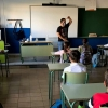 Alumnos de 10 aulas extremeñas inician cuarentena este martes