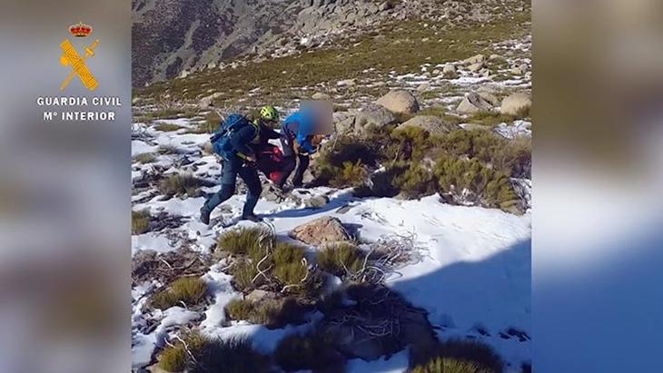 Rescatan a una senderista en una sierra extremeña