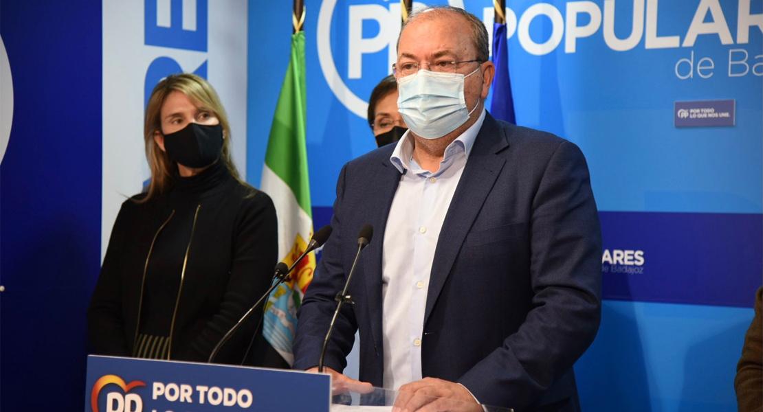 """Monago lanza un SOS: """"Tenemos la cepa de las dos uves, Vara y Vergeles, la cepa de la inacción"""""""