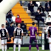 El CD Badajoz celebra la vuelta de público al estadio