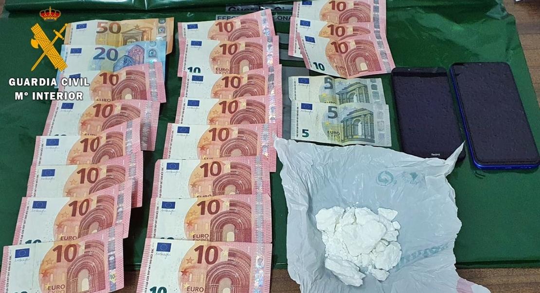 La Guardia Civil detiene a un vecino de don Benito por tráfico de drogas
