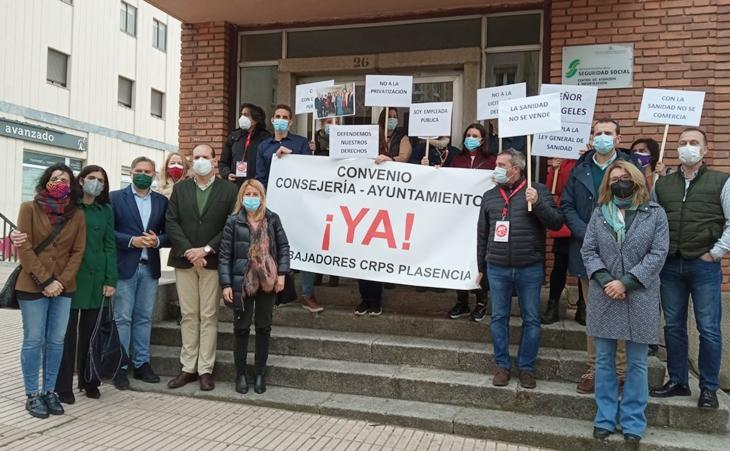 Teniente garantiza que el PP será la voz de los trabajadores del CRPS de Plasencia
